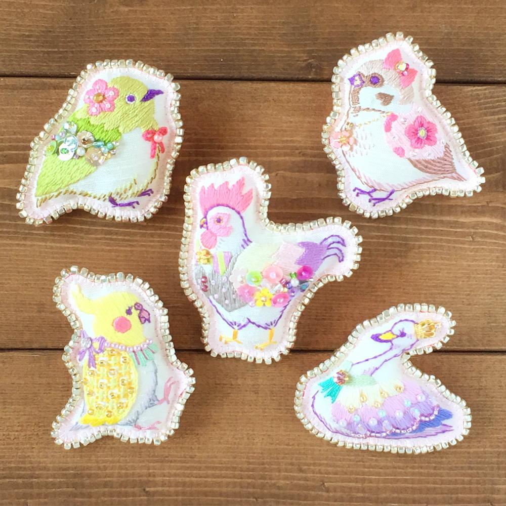 【本日21時〜】刺繍ブローチ『鳥たちのお茶会』オーダー受付開始いたします