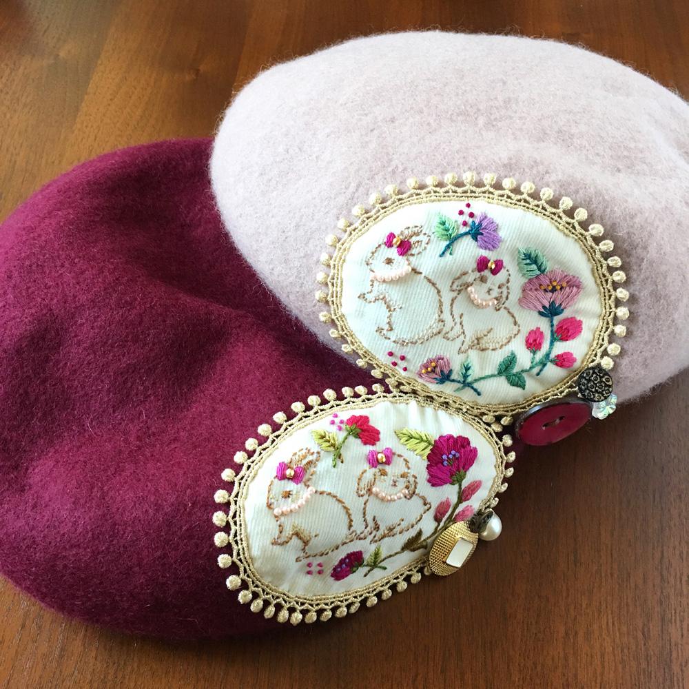 ベレー帽「ウサギ姉妹の散歩道」